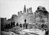 Roger-Viollet | 971034 | French Commune. Barricade in front of the City hall. Paris (IVth arrondissement), 1871. | © Roger-Viollet / Roger-Viollet