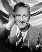 Roger-Viollet   973096   Maurice Chevalier (1888-1972), French actor and singer.   © Léopold Mercier / Roger-Viollet