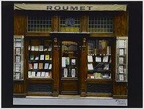 Roger-Viollet | 982282 | Philately shop, 17 rue Drouot. Paris (IXth arrondissement), 1982. Photograph by Felipe Ferré. Paris, musée Carnavalet. | © Felipe Ferré / Musée Carnavalet / Roger-Viollet