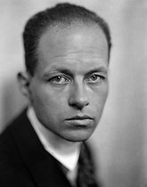 Roger-Viollet   982566   Pierre Drieu la Rochelle (1893-1945), écrivain français. France, vers 1925.   © Henri Martinie / Roger-Viollet
