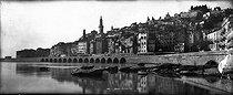 Roger-Viollet | 991080 | The old town. Menton (France), circa 1900. | © Neurdein / Roger-Viollet