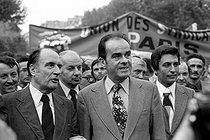 Roger-Viollet | 993622 | François Mitterrand, Claude Estier and Georges Marchais, French politician, during a rally against the decision by Franco to execute Spanish terrorists. Paris, 1975. | © Roger-Viollet / Roger-Viollet