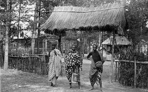Roger-Viollet | 997229 | Paris 1907 Colonial's Fair. Entry of the Sudanese village. ND 156281 | © Neurdein / Roger-Viollet