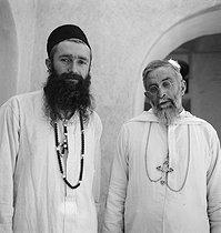 Roger-Viollet | 997530 | White Father. El Menea (formerly El Golea). Algeria, around 1930-1960. | © Gaston Paris / Roger-Viollet