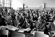 Roger-Viollet | 1001527 | Socialist rally. François Mitterrand (1916-1996), French politician. Next to him : Jean Auroux (born in 1942). Epinay-sur-Seine (France), on June 11, 1971. | © Roger-Viollet / Roger-Viollet