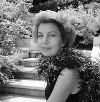 Roger-Viollet | 1002320 | Liliane Bettencourt (1922-2017), French businesswoman, main shareholder of L'Oréal, at her home. Neuilly-sur-Seine (France), around 1980. | © Kathleen Blumenfeld / Roger-Viollet