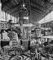 Roger-Viollet | 1010445 | Paris, World Fair of 1878. The gallery of the Machines. | © Léon & Lévy / Roger-Viollet