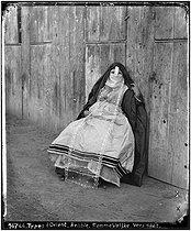 Roger-Viollet | 1012730 | Veiled woman. Arabia, circa 1865. | © Léon & Lévy / Roger-Viollet