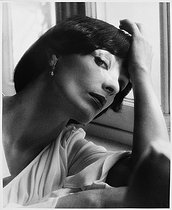 Roger-Viollet | 1019096 | Marie Laforêt (1939-2019), French actress and singer. Neuilly-sur-Seine (France), 1976. | © Bruno de Monès / Roger-Viollet