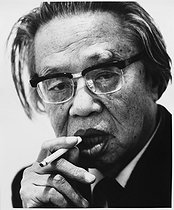 Roger-Viollet | 1022299 | Seicho Matsumoto (1909-1992), Japanese writer of detective novels. Paris, December 1988. | © Bruno de Monès / Roger-Viollet