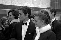 Roger-Viollet | 1023602 | Alain Delon (born in 1935) and his wife Nathalie Delon (born in 1941), French actors. Paris, 1961-1967. | © Noa / Roger-Viollet