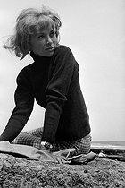 Roger-Viollet   1034157   Mireille Darc (1938-2017), French actress. France, 1966. Photograph by Georges Kelaïditès (1932-2015).   © Georges Kelaïditès / Roger-Viollet