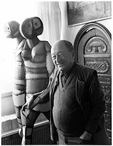 Roger-Viollet | 1035076 | Pierre Seghers (1906-1987), French publisher and poet. Paris, December 1983. | © Bruno de Monès / Roger-Viollet