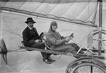 Roger-Viollet | 1037147 | Land sailing race | © Maurice-Louis Branger / Roger-Viollet