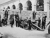 Roger-Viollet | 1046712 | Paris Commune (1871). | © BHVP / Roger-Viollet
