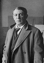 Roger-Viollet | 1049535 | Pablo Picasso (1881-1973), Spanish painter, artist and sculptor. | © Photo Rap / Roger-Viollet