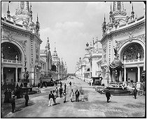 Roger-Viollet | 1052971 | 1900 World Fair in Paris | © Léon & Lévy / Roger-Viollet