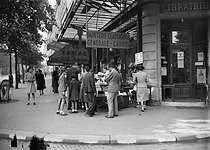 Roger-Viollet | 1053444 | Bookshop   Gibert  , Saint Michel boulevard. Paris, around 1938-1939. | © LAPI / Roger-Viollet