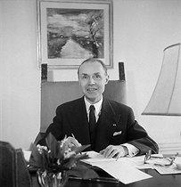 Roger-Viollet | 1056102 | Maurice Genevoix (1890-1980), French writer in 1954. | © Studio Lipnitzki / Roger-Viollet
