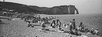 Roger-Viollet | 1057843 | Etretat (Seine-Maritime). The beach at high tide. 1910-1920. | © Léon & Lévy / Roger-Viollet