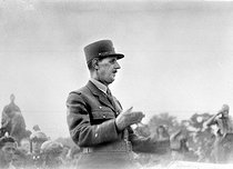 Roger-Viollet | 1058480 | World War II. Charles de Gaulle (1890-1970), French General, August 1944. | © Roger-Viollet / Roger-Viollet