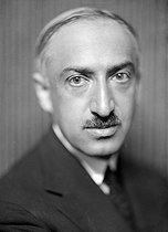 Roger-Viollet   1059904   André Maurois (1885-1967), French writer. France, circa 1925.   © Henri Martinie / Roger-Viollet
