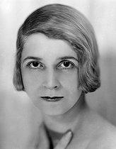 Roger-Viollet | 1060581 | Lisa Duncan, danseuse et chorégraphe américaine. France, vers 1925. | © Henri Martinie / Roger-Viollet