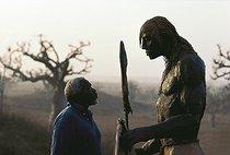 Roger-Viollet | 1063478 | Le Guerrier debout (série Masaï) | © Béatrice Soulé / Roger-Viollet