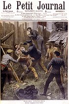 Roger-Viollet | 1069076 | Revenge on a apache against one of its fellow men which had wounded it.  Le Petit Journal , May 19, 1907. | © Roger-Viollet / Roger-Viollet