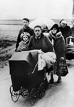 Roger-Viollet | 1072222 | World War II. The exodus. France, June 1940. | © LAPI / Roger-Viollet