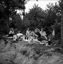 Roger-Viollet | 1078585 | Picnic in the forest. France, 1949. | © Brissaud / Roger-Viollet