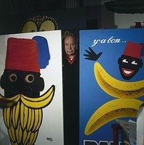 Roger-Viollet | 1079581 | Hervé Morvan (1917-1980), French poster artist, 1980. | © Kathleen Blumenfeld / Roger-Viollet