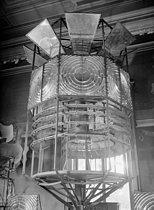 Roger-Viollet | 1079931 | Lighthouses. Detail of a light at the Lighthouse Museum. Ushant Island (France), 1931-1934. Photograph by François Kollar (1904-1979). Paris, Bibliothèque Forney. | © François Kollar / Bibliothèque Forney / Roger-Viollet
