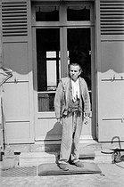 Roger-Viollet | 1084169 | Louis-Ferdinand Céline (1894-1961), French writer. Meudon (France), 1955. | © Bernard Lipnitzki / Roger-Viollet