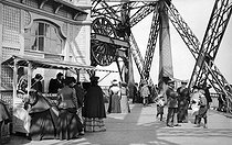 Roger-Viollet | 1088258 | The platform on the second floor of the Eiffel Tower. Paris, about 1900. | © Neurdein / Roger-Viollet