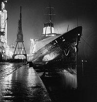 Roger-Viollet | 1096164 | The French liner  Le Normandie  docking. France, around 1935. | © Gaston Paris / Roger-Viollet