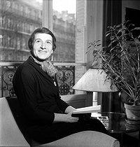Roger-Viollet | 1114326 | Nathalie Sarraute (1900-1999), French writer, 1958. | © Boris Lipnitzki / Roger-Viollet