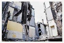 Roger-Viollet | 1116491 | Belleville district. Ruins of buildings after demolition. Paris (XIXth-XXth arrondissements), 1968-1975. Photograph by François-Xavier Bouchart (1946-1993). Paris, musée Carnavalet. | © François-Xavier Bouchart / Musée Carnavalet / Roger-Viollet
