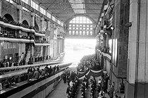 Roger-Viollet | 1154557 | Inauguration du sous-marin atomique français  Le Redoutable . Cherbourg (Manche), 29 mars 1967. | © Jacques Cuinières / Roger-Viollet