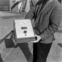 Roger-Viollet | 1154564 | Baptême du premier sous-marin atomique français  Le Redoutable , avant son lancement. Cherbourg (Manche), 29 mars 1967. | © Jacques Cuinières / Roger-Viollet