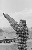 Roger-Viollet   1224631   Dieu a choisi Paris   © Jean Laborie / Fonds France-Soir / BHVP / Roger-Viollet