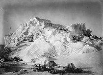 Roger-Viollet | 1262852 | Landscape in Greenland, around 1910. | © Collection Harlingue / Roger-Viollet