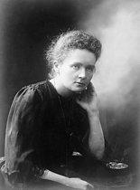 Roger-Viollet | 1294601 | Marie Curie (1867-1934), physicienne et chimiste d'origine polonaise. Mercredi 1er décembre 1920. Photographie du journal  Excelsior . | © Excelsior - L'Equipe / Roger-Viollet