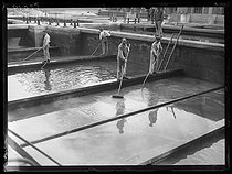 Roger-Viollet | 1309337 | The filtrating basins of the water plant of Saint-Maur (Seine, France). Saturday 16 July 1921. Photograph from the French newspaper  Excelsior . | © Excelsior - L'Equipe / Roger-Viollet