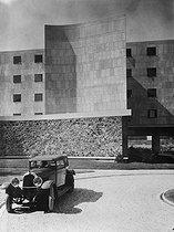 Roger-Viollet | 1372677 | Le Corbusier. Pavillon Suisse de la cité Universitaire de Paris | © FA / Roger-Viollet