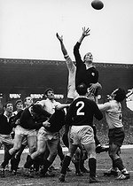 Roger-Viollet | 1376748 | Five Nations Championship 1969, France-Scotland. Wales won the tournament. France, 1969. Photograph by André Perlstein (born in 1942). | © André Perlstein / Roger-Viollet