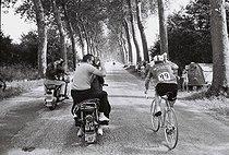 Roger-Viollet | 1377058 | Tour de France. Rick Van Looy | © André Perlstein / Roger-Viollet