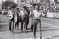 Roger-Viollet | 1377284 | Tour de France 1969. Maurice Biraud (1922-1982), French radio host, humorist and actor, at the finish of a stage in Charleville-Mézières (France), on July 2nd, 1969. Photograph by André Perlstein (born in 1942). | © André Perlstein / Roger-Viollet