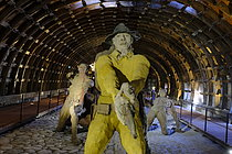 Roger-Viollet | 1383272 | Ousmane Sow (1935-2016).  The Battle of Little Bighorn  series. Scene with soldiers back to back. Fortress of Mont-Dauphin (Hautes-Alpes, France), Centre des Monuments Nationaux, 2021. | © Béatrice Soulé / Roger-Viollet