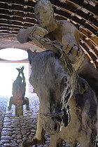 Roger-Viollet | 1383280 | Ousmane Sow (1935-2016).  The Battle of Little Bighorn  series. The end of a journey. Fortress of Mont-Dauphin (Hautes-Alpes, France), Centre des Monuments Nationaux, 2021. | © Béatrice Soulé / Roger-Viollet